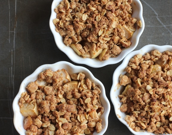 Apple Cinnamon Oatmeal Crisp // The Spicy RD