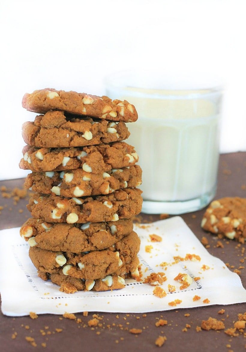 Mmmm....These Gluten Free Sweet Potato Teff Cookies with Peanut Butter & White Chocolate Chips are a healthy{ish} treat! #sweetpotato #glutenfree #fallrecipes