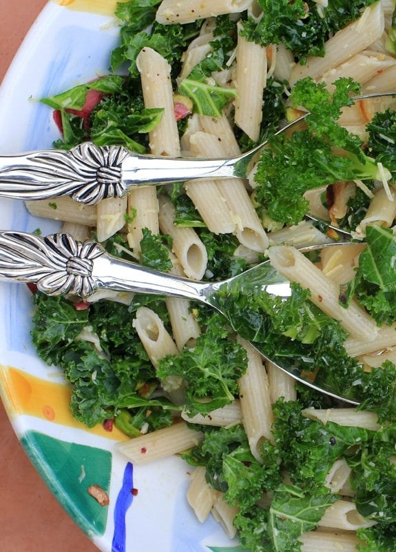 Lemony Kale Pasta and Pistachio Salad//The Spicy RD