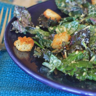 Kale Caesar Salad//The Spicy RD