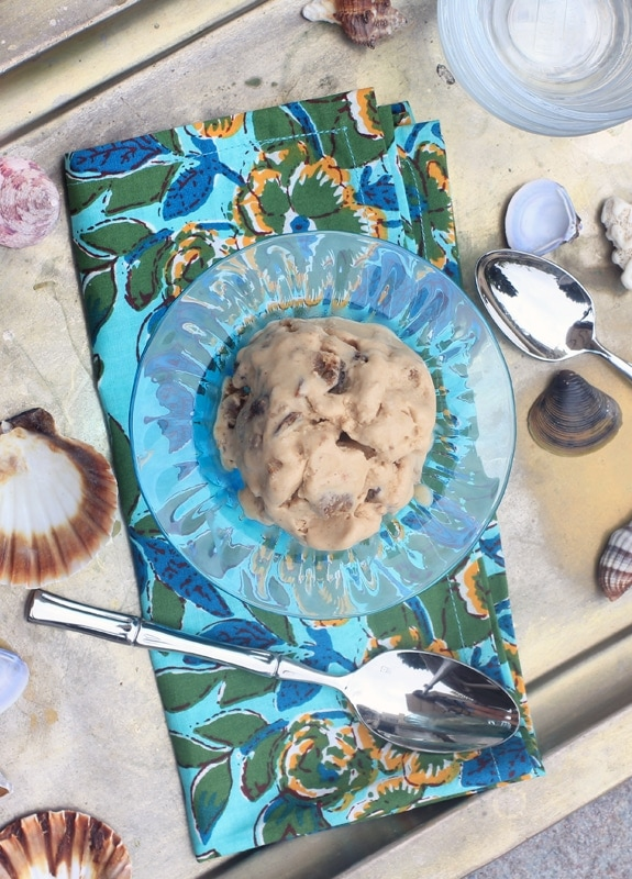 oatmeal raisin cookie dough ice cream