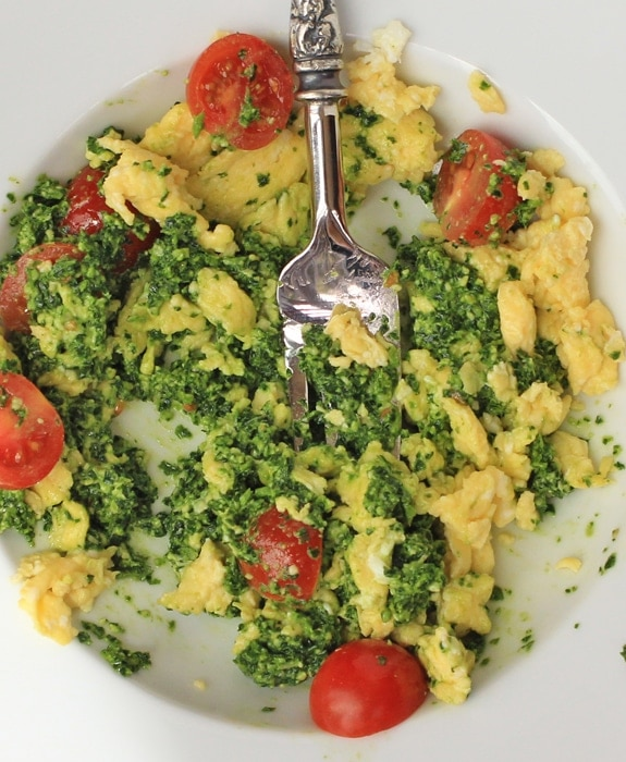 green eggs with cherry tomatoes