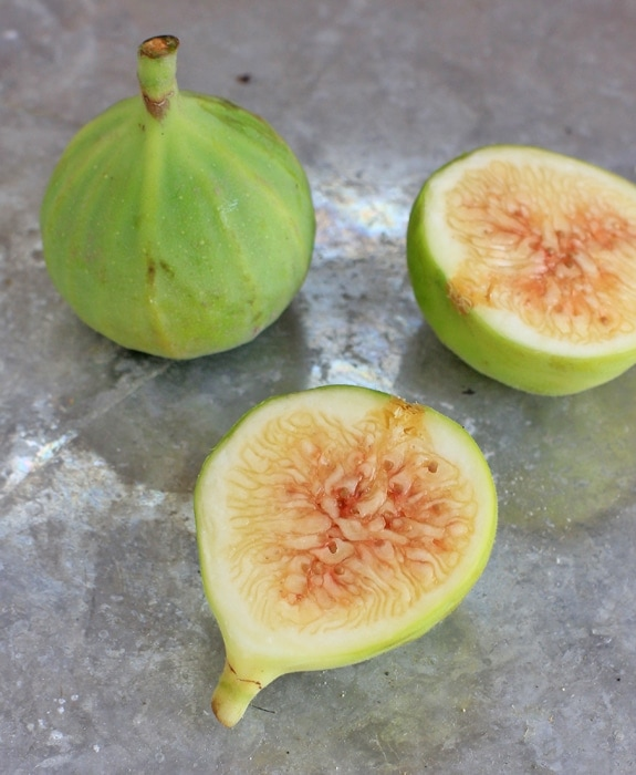 how to eat fresh figs - whole and cut up green figs.