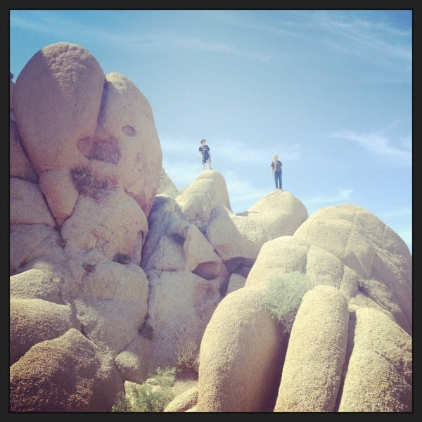 Bouldering fun at Jumbo Rocks, Joshua Tree//The Spicy RD