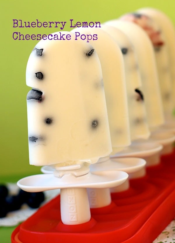 Blueberry Lemon Cheesecake Pops//The Spicy RD