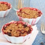 Oatmeal Berry Chia Crisp//The Spicy RD