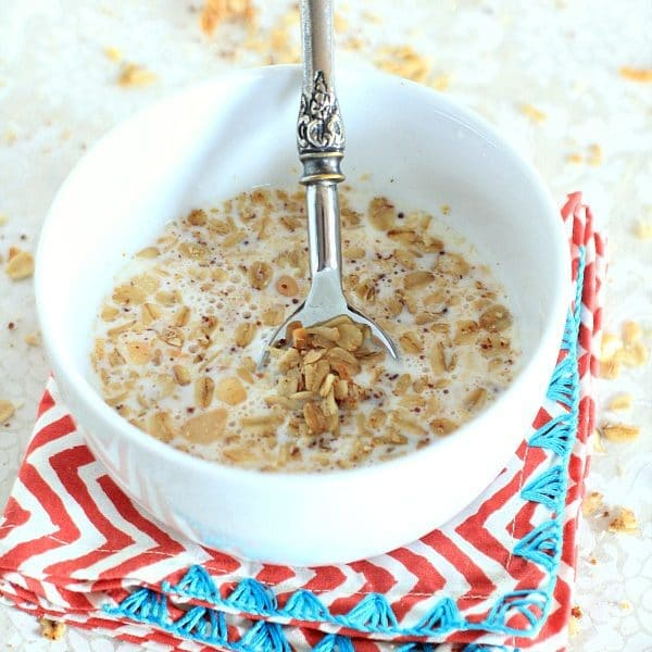 Tropical Granola with Macadamia Nuts, Coconut, and Ginger // The Spicy RD