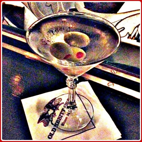 Martini's at Old Ebbitt Grill in Washington DC // The Spicy RD