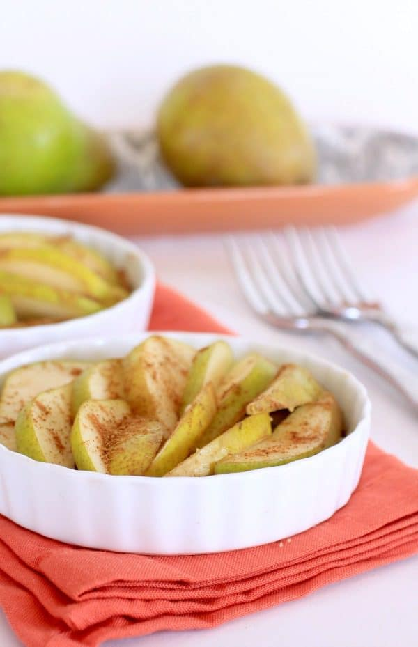 Raw Chai Spiced Pear Tart // The Spicy RD