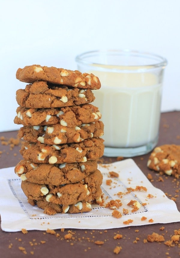 Peanut Butter Sweet Potato Teff Cookies with Optional White Chocolate Chips // The Spicy RD