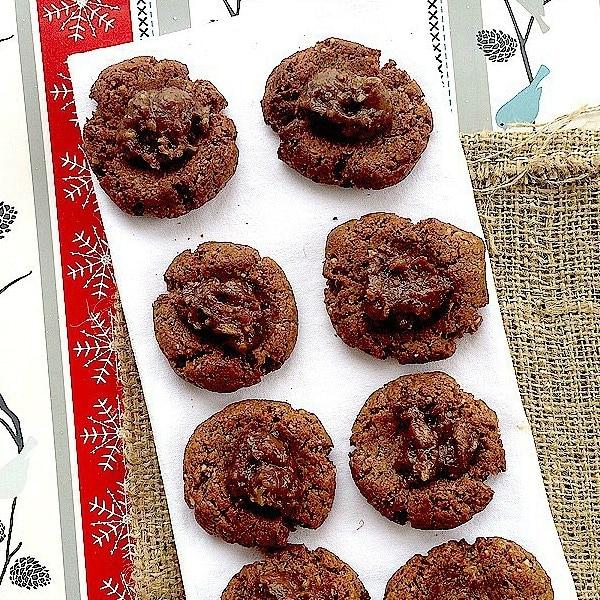 Gingerbread Cookies w/ Sea Salt Caramel Rum Raisin FIlling