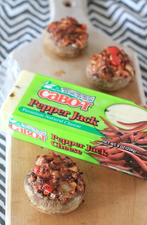 This Cabot Creamery Pepper Jack Cheese makes a divine filling for these Pepper Jack Stuffed Mushrooms. #AD