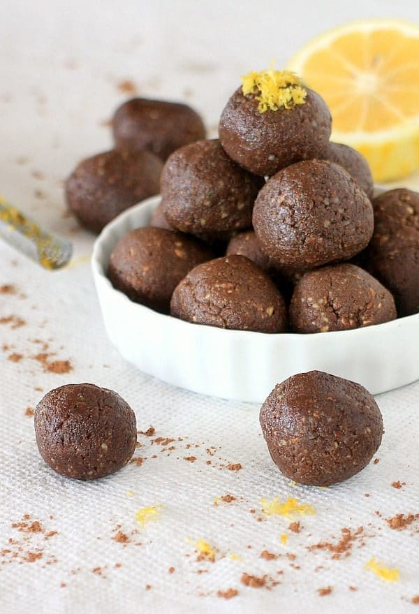 Chocolate and lemon pair to gehter deliciously in these super healthyy and easy to make, No Bake Cocoa Lemon Energy Bites and Cocoa Lemon Truffles | Spicy RD Nutrition