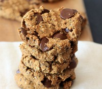 Cookies for breakfast! Oatmeal Peanut Butter Chia Chocolate Chip Breakfast Cookies {gluten-free, vegan, low FODMAP}
