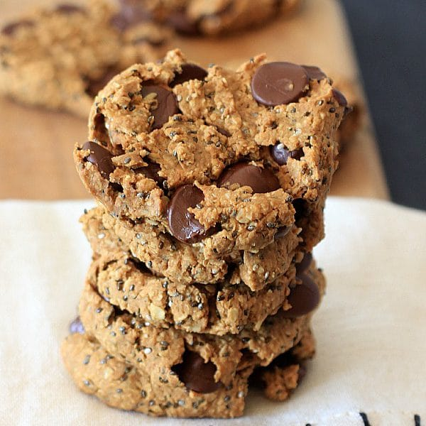 Cookies for breakfast! Oatmeal Peanut Butter Chia Chocolate Chip Breakfast Cookies {gluten-free, vegan, low FODMAP}
