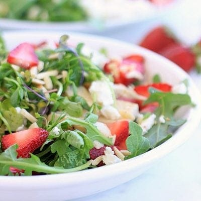 Light, healthy, delicious! Strawberry Arugula Salad with Chicken, Goat Cheese, Almonds, and Creamy Strawberry Lemon Vinaigrette