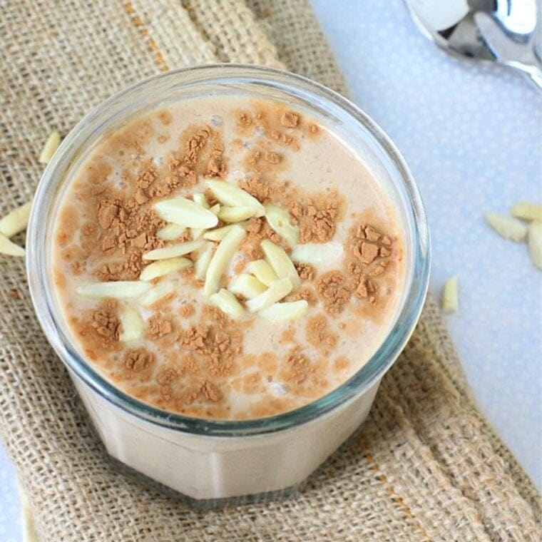Mexican Chocolate Banana Shake + 3 Reasons to Eat Some Almonds Today