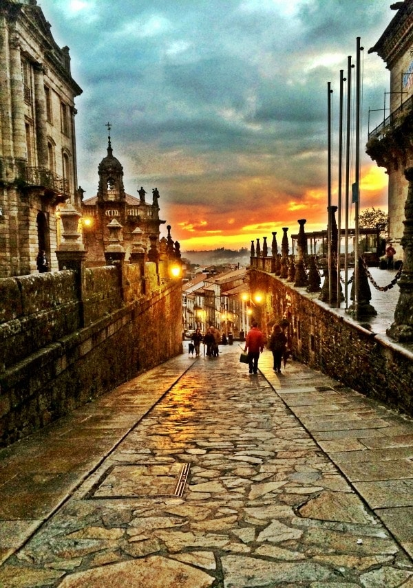 The magical town of Santiago de Compostela, Spain || The Spicy RD