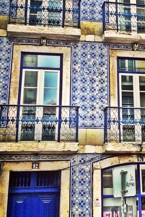 I left my tile loving heart in Lisbon! | Portuguese tiled building in Lisbon | Portugal Travel