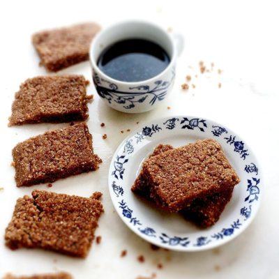 Peanut Butter Cinnamon No Bake Protein Bars
