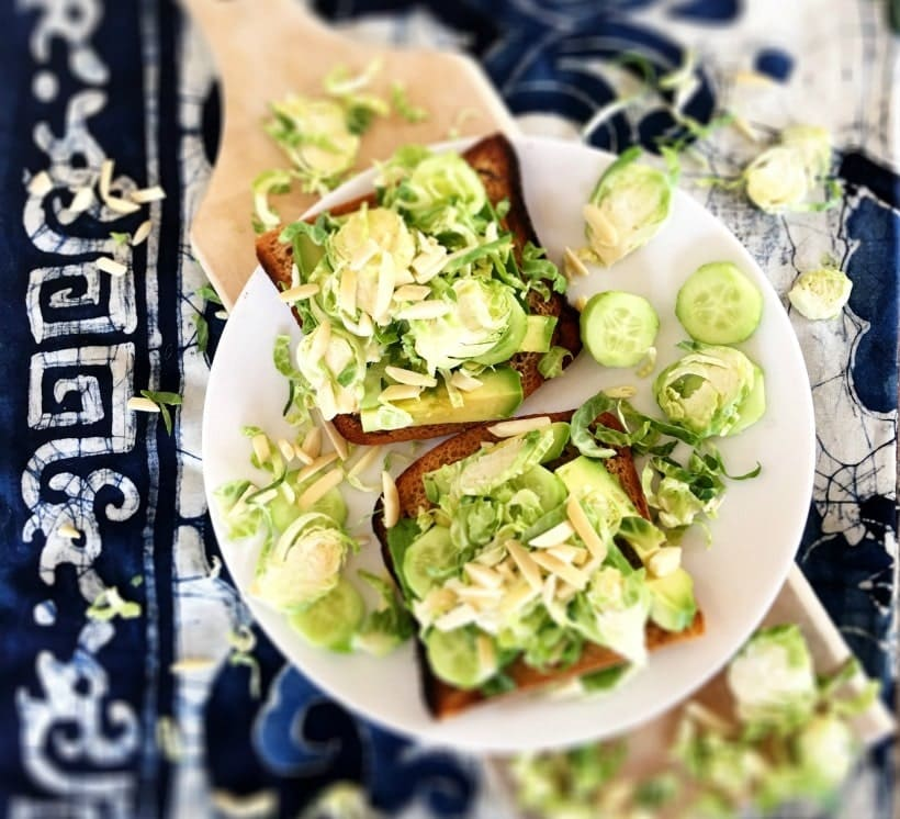 Avocado Toast w/ Shredded Brussels Sprouts & Slivered Almonds | Gluten Free Brussels Sprouts Recipes @thespicyrd