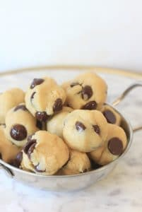 How to Get Your Chocolate Fix in 5 Minutes Flat! Chocolate Chip No Bake Energy Bites