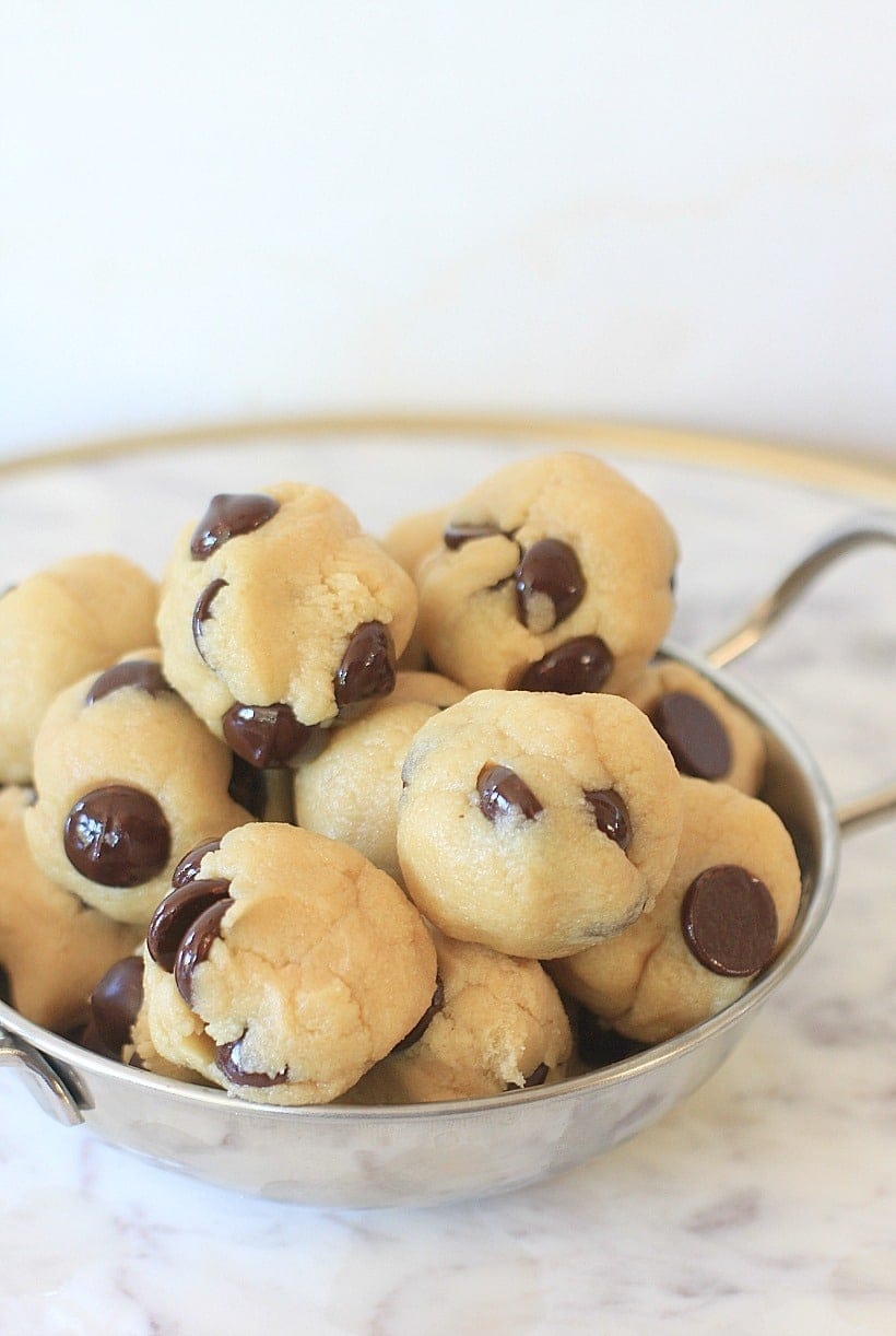 Chocolate Chip No Bake Energy Bites | Low Carb, Gluten Free, Low FODMAP, with Vegan & Paleo options | Get the recipe, plus more healthy snacks at EA Stewart, The Spicy RD