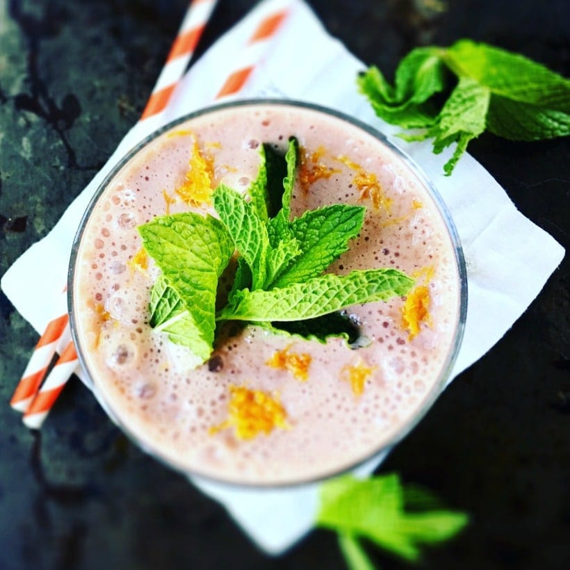 You'll love this powerhouse superfood smoothie made with ruby red grapefruit, fresh mint, & resveratrol reds.   Recipe at EA Stewart, The Spicy RD