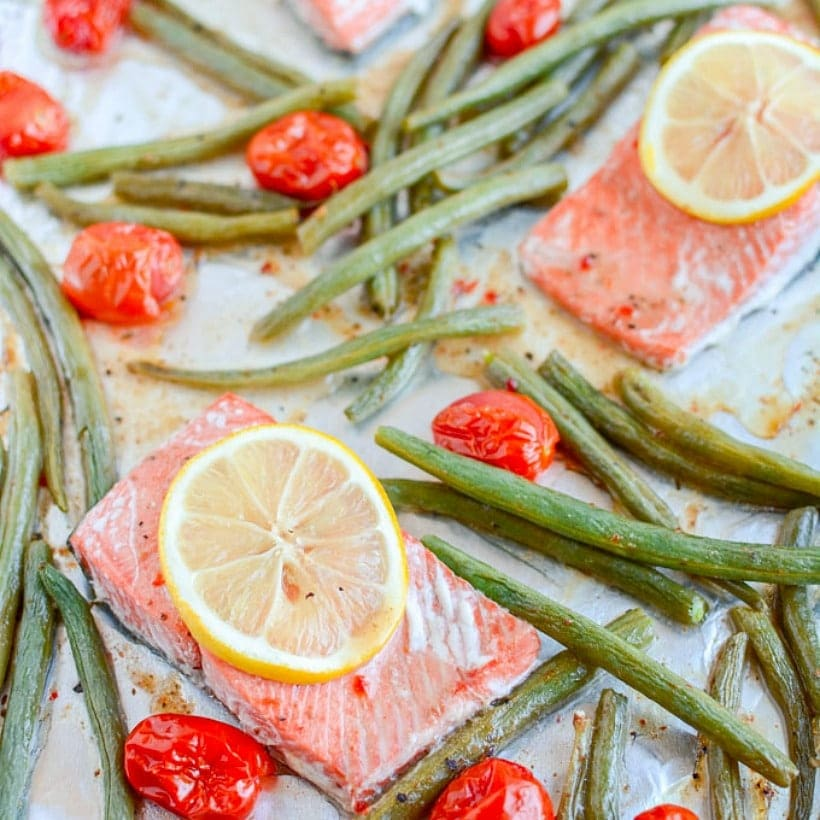 4-Ingredient Sheet Pan Salmon with Green Beans