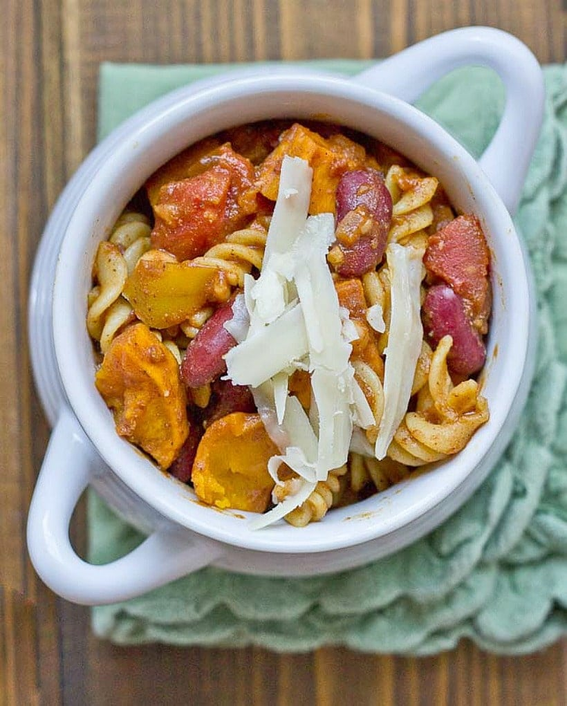 This Butternut Squash Chili Mac is the ultimate comfort food. Bonus-it's a high protein veggie meal that's sure to satisfy ad hungry appetite!