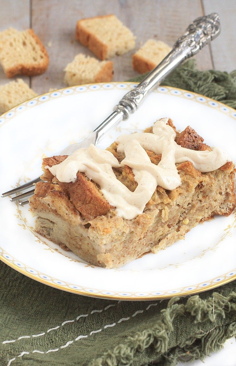 Spoil your family & holiday guests w/ this scrumptious low FODMAP, gluten free baked french toast. It's easy to make & gingerbread cream cheese is divine!
