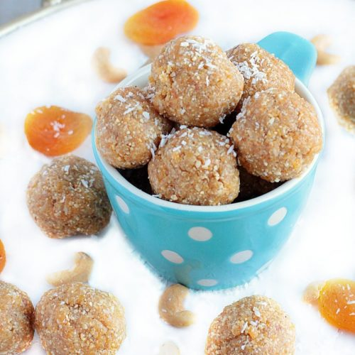 Healthy Energy Bites with Dates