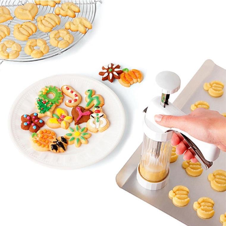 spritz cookie press and spritz cookies