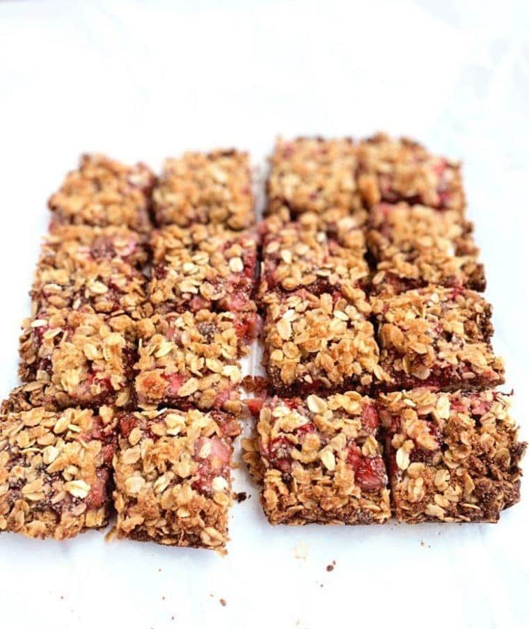 The Best Strawberry Oatmeal Bars {Gluten Free, Vegan, Low Sugar}